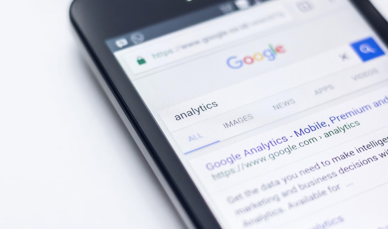 google-analytics-on-phone
